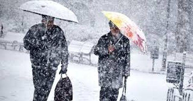 İstanbul'da yarın pazartesi okullar tatil mi? İstanbul için hava durumu