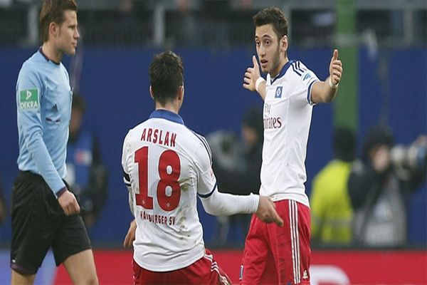 Hakan Çalhanoğlu'dan Dortmund'a süper gol izle