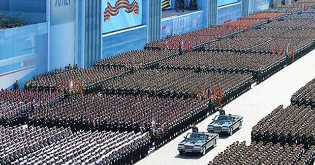 çin  ordusu geçit töreni ile ilgili görsel sonucu