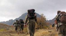 Diyarbakır'da PKK'lılar yol kesti