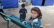 'Suriye'de açlık savaş silahı olarak kullanılıyor' iddiası