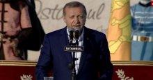 Erdoğan konuşurken bu pankartı açtılar