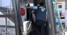 İçinde yolcular da bulunan otobüs polisi alarma geçirdi