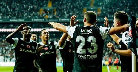 Beşiktaş Dinamo Kiev karşısında galibiyet arıyor