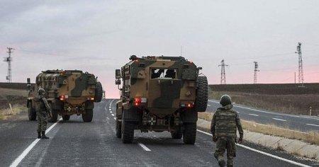 Hakkari'de askeri araca hain saldırı
