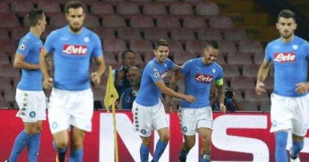 Napoli, Benfica'yı fena dağıttı