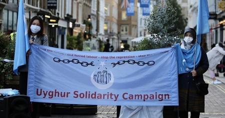 Çin, Ulusal Günü'nde Londra'da protesto edildi