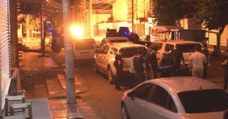Diyarbakır'da terör örgütü yandaşları tarafından bir markete el yapımı patlayıcı atıldı